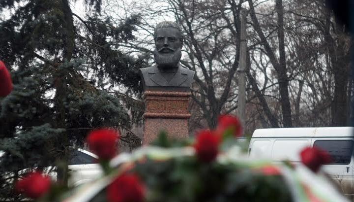 Христо Ботев паметник  в Украйна