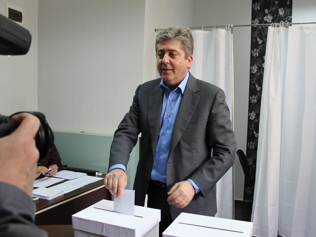 Георги Първанов остава председател на АБВ