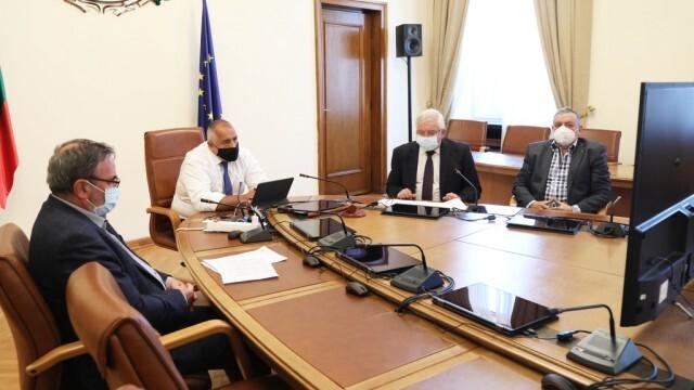 Борисов разпореди областните управители да следят капацитета на болниците