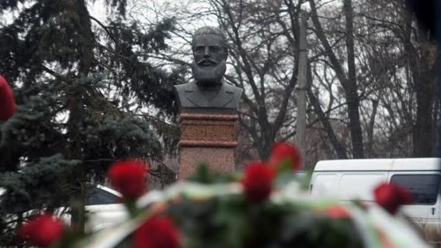Българите в Украйна честват Ботев и ни поздравяват