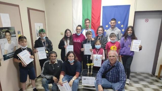 "11 медала и 2 купи спечелиха младите авиомоделисти от Спортен модел-клуб ""Приста"""