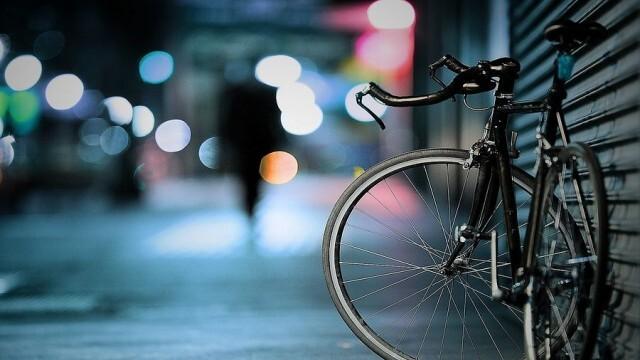 По горещи следи хванаха трима тийнейджъри, отпрашили с 3 велосипеда от чужд гараж