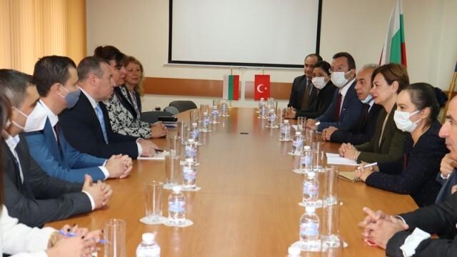 Бизнесът по Дунав е сред основните приоритети на Турция в Русенско