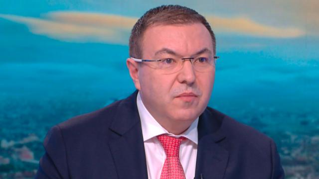 Номиниран за водач на две листи на ГЕРБ, здравният министър коментира политиката и пандемията