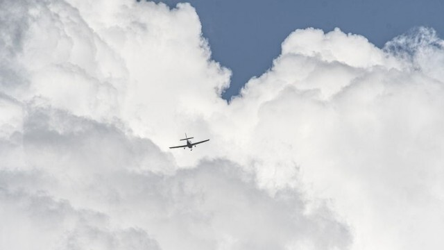 Австрия забрани до края на юли полетите от България