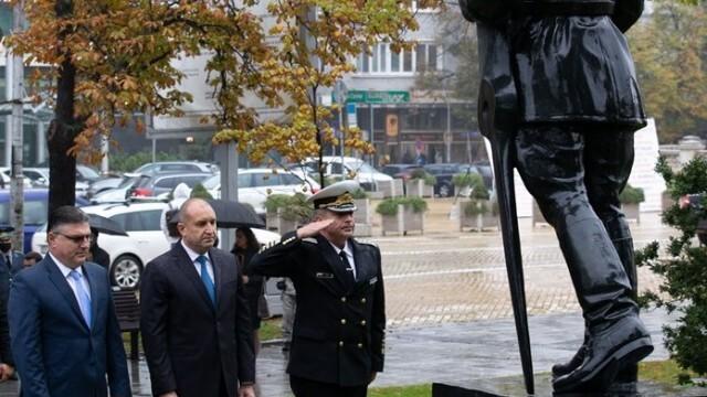 Президентът: Българските военновъздушни сили отстояват суверенитета, свободата и достойнството на страната ни