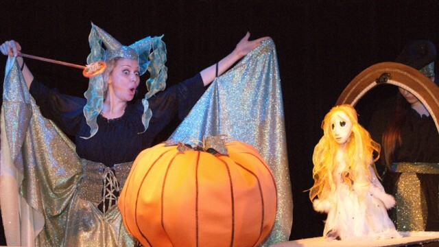 Пепеляшка дебютира на детската театрална сцена в Силистра