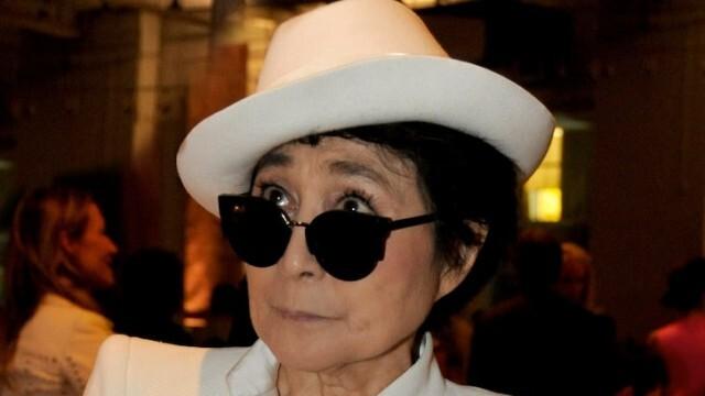 Йоко Оно съди асистент на Джон Ленън, разприказвал се, въпреки наложената му забрана