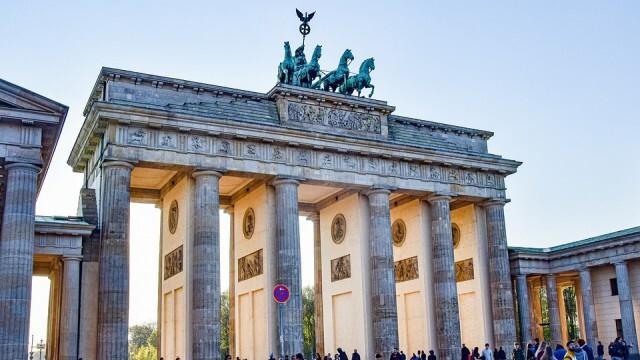 За пристигащите българи в Германия остава изискването за отрицателен PCR тест, електронна регистрация и карантина