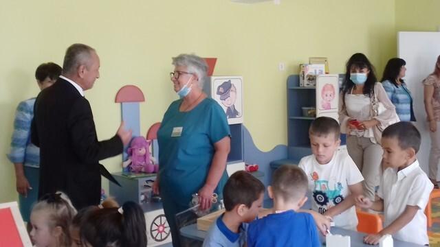 100 момчета и момичета влязоха в нова детска градина в Дулово