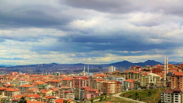 Турция премахва комендантския час