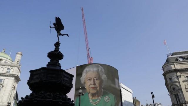 Без топовни гърмежи за рождения ден на кралица Елизабет Втора