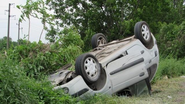 Много пияна шофьорка  се обърна по таван, арестуваха я