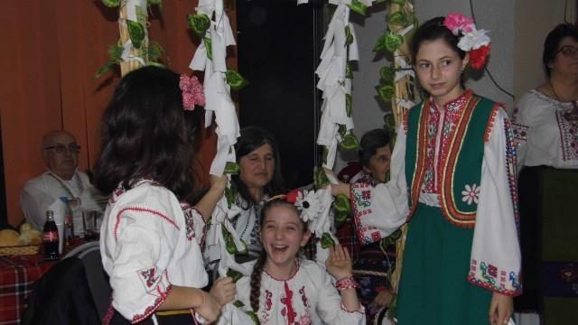 Вечер на националната носия в с. Милковица