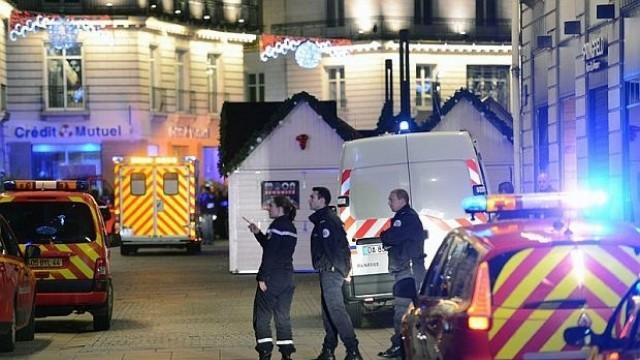 Франция: Мъж се вряза с минивана си в тълпа в Нант, 10 ранени