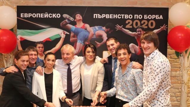 В борбата отпразнуваха успехите от Евро 2020 с купон и торта