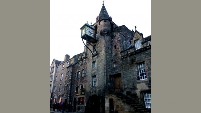 Наш човек в Единбург: По Коледа в Кралството - пир по време на Брекзит