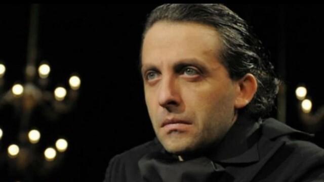 Мариус Куркински гостува в Русе със сборен моноспектакъл