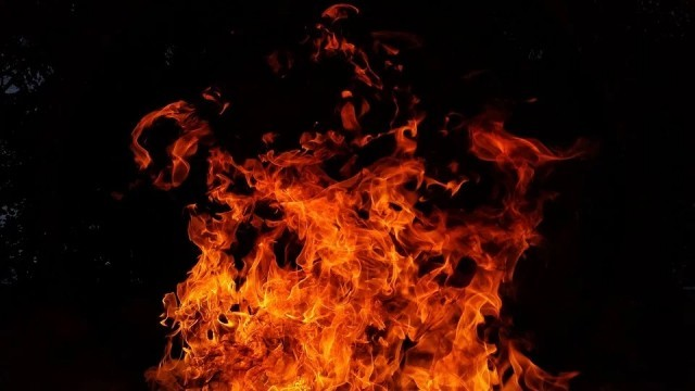 6 коли горяха в Троян тази нощ