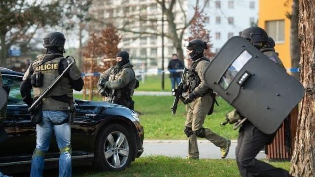 Шестима убити при стрелба в Германия