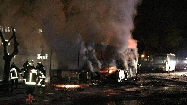 Най-малко петима убити при взрив в Анкара