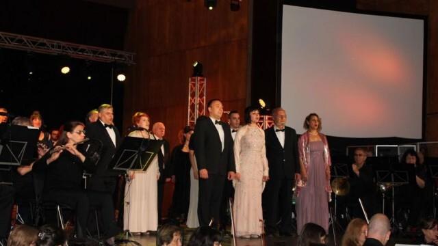 """Впечатляващ концерт ознаменува 25-годишнината на Общинския хор """"Гена Димитрова"""" (СНИМКИ)"""