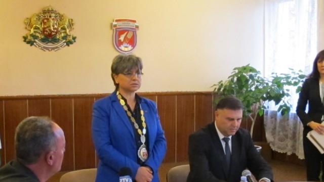 Кметът на Долна Митрополия Поля Цоновска официално встъпи в правомощия за третия си мандат