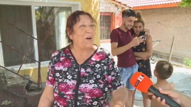 Жена от Буковлък: Друг път ни дават пари, сега не сме разбрали за кой номер да гласуваме