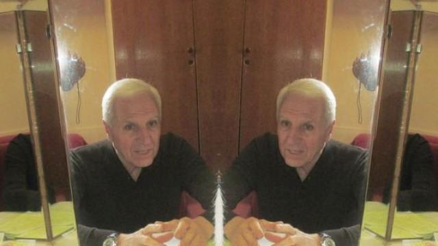 "Пред огледалото: Монолог на знаковия плевенски творец Георги Ангелов по повод на 30-годишния юбилеен спектакъл ""Парад на модата"""