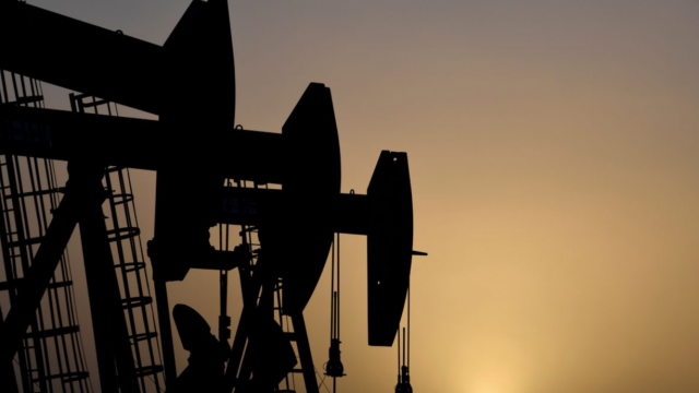 От месец: Цената на петрола продължава да се покачва