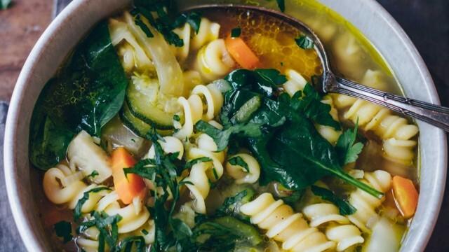 Спаначена супа с макарони