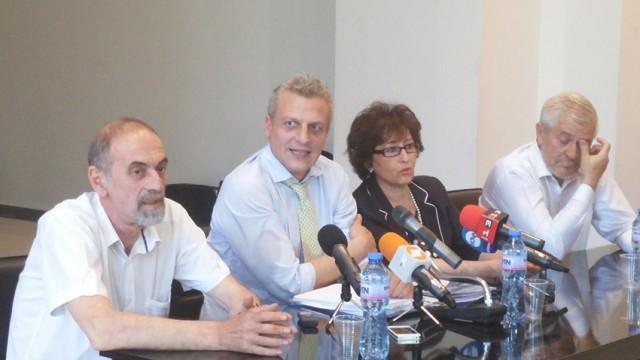 Ще правим общо договаряне на скъпоструващи лекарства заедно с Румъния