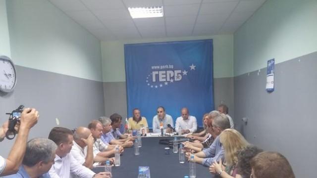 Русе: Цветанов обяви кандидат-кметовете на ГЕРБ по общини, вижте ги