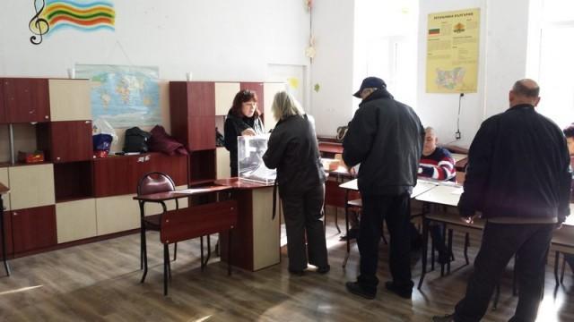 214 374 гласоподаватели от областта избираха 8 депутати от Русе