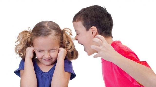 Деца и младежи от цялата страна се противопоставят на агресията