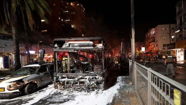 Напрежението в израелско-палестинския конфликт се покачва, поне 40 са жертвите