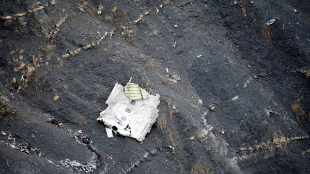 Вторият пилот съзнателно е разбил самолета на Germanwings