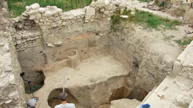 Откриха над 50 амфорни печата от антични производствени центрове при разкопките на Сексагинта Приста