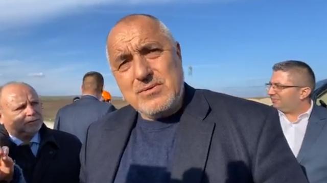 Борисов след екшъна с медсестрите: Знаете ли колко луди хора има в ГЕРБ? Искат да се палят, ако подам оставка (Видео)