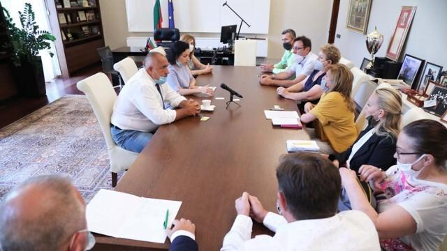 Борисов обеща милиони и на производителите на плодове, зеленчуци, маслодайна роза и винени лозя
