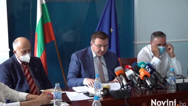 Здравният министър: Няма нужда от допълнителни мерки за ограничаване разпространението на COVID-19