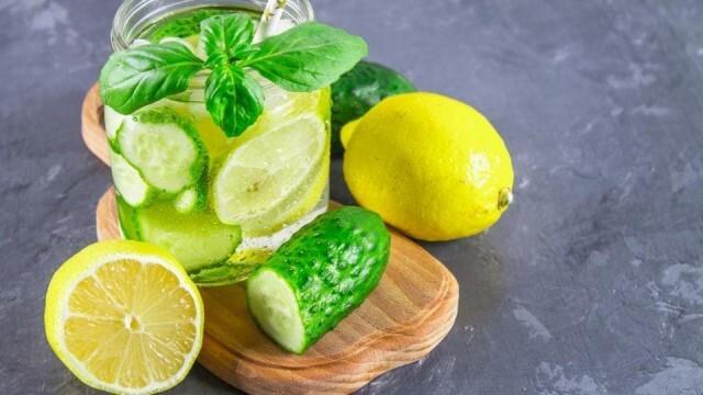 Лимонада с краставица, джинджифил и мента