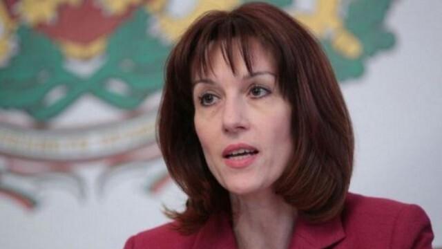 Камелия Нейкова: При проблем с машините ще се гласува с бюлетини
