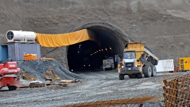 """Ето състоянието на тримата работници, затрупани в тунел """"Железница"""""""