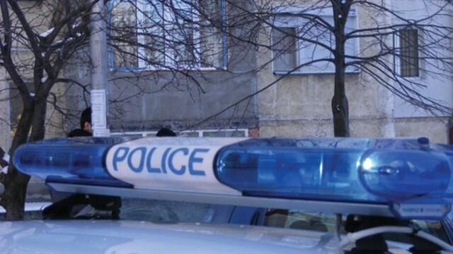 При полицейска гонка бе заловен водач, изхвърлил дрога от колата си