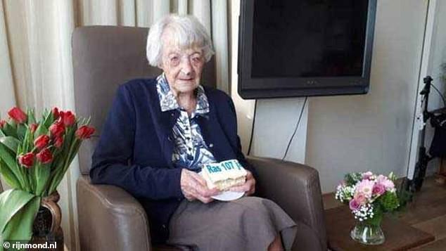 107-годишна холандка  оцеля от КОВИД-19