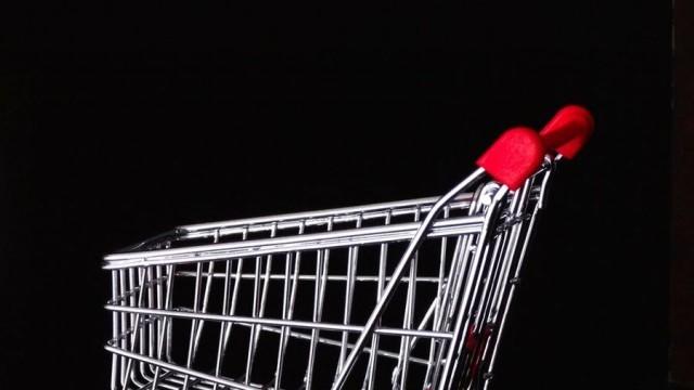 Магазините в Германия отвориха, но останаха  празни