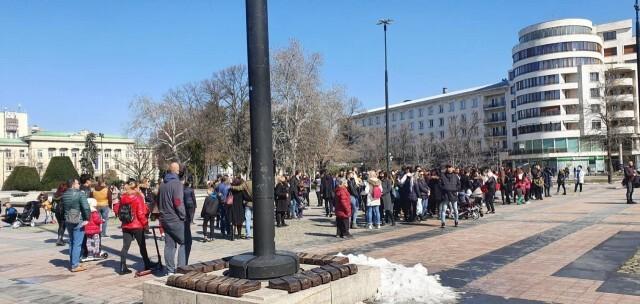 Танцови и учебни школи в Русе протестират срещу затварянето на дейността им