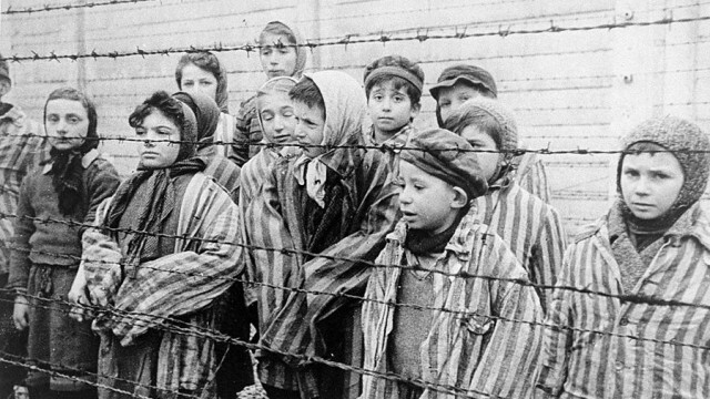 Урсула фон дер Лайен: Споменът за жертвите на Холокоста трябва да бъде запазен жив