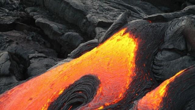 Евакуация от Канарските острови заради трусове и вулкан